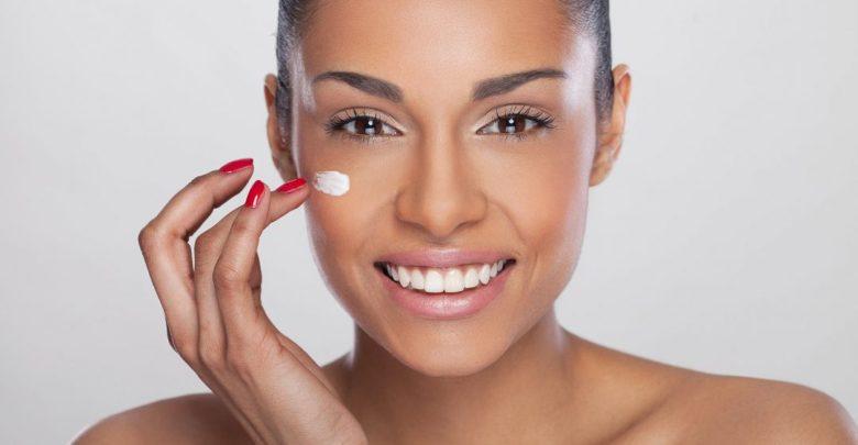 5 Home Remedies To Treat Sensitive Skin