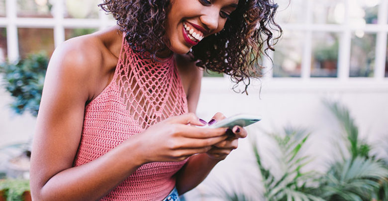 5 Tricks To Make A Woman Laugh On WhatsApp – Youth Village Kenya
